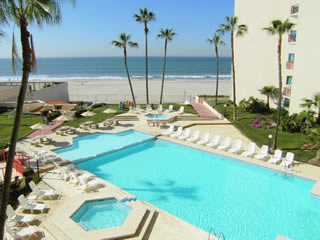 Rosarito Inn condominium hotel suites pool